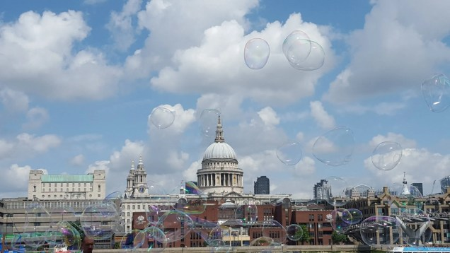 St Pauls with bubbles