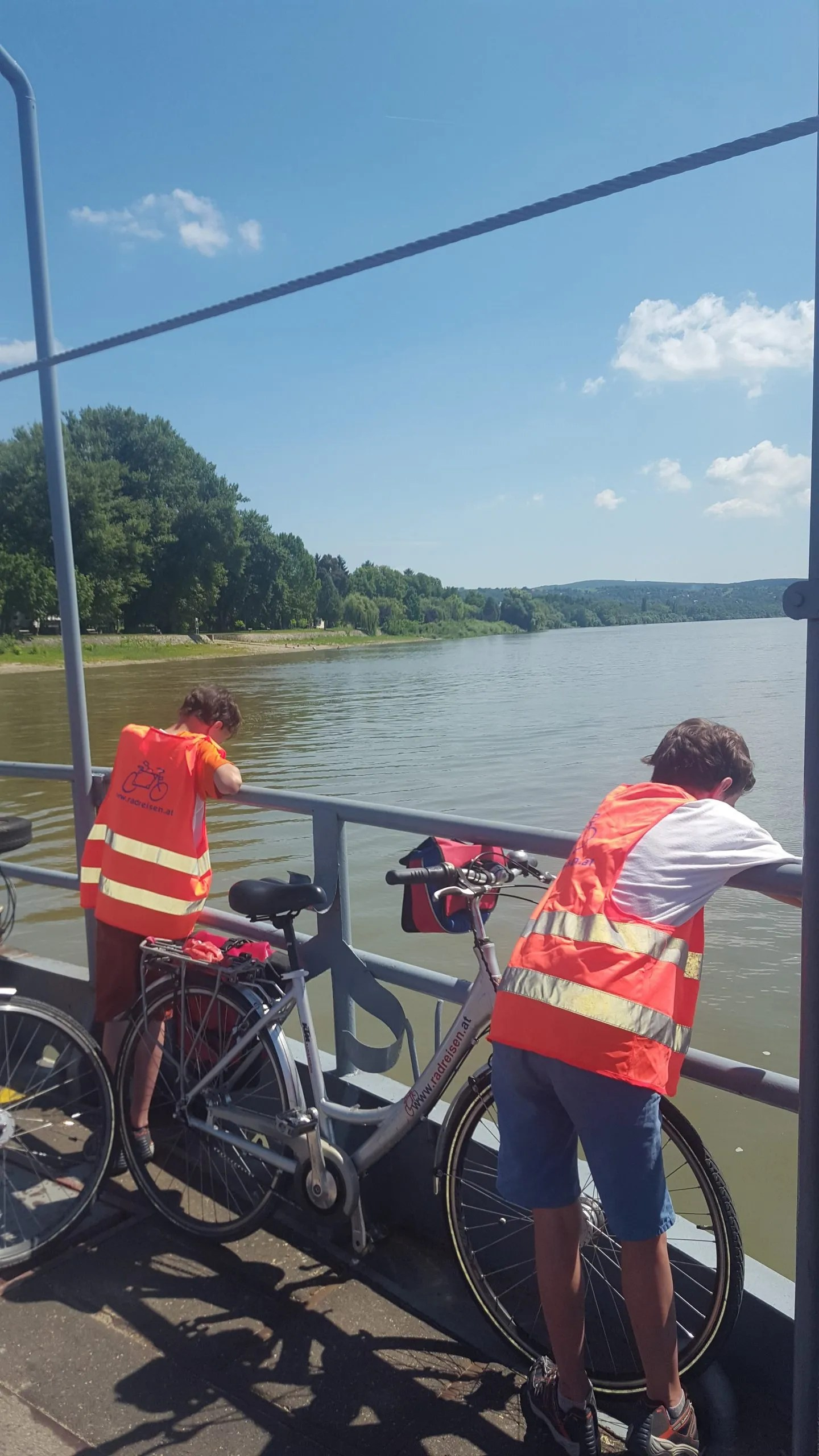 ferry-cross-the-danube