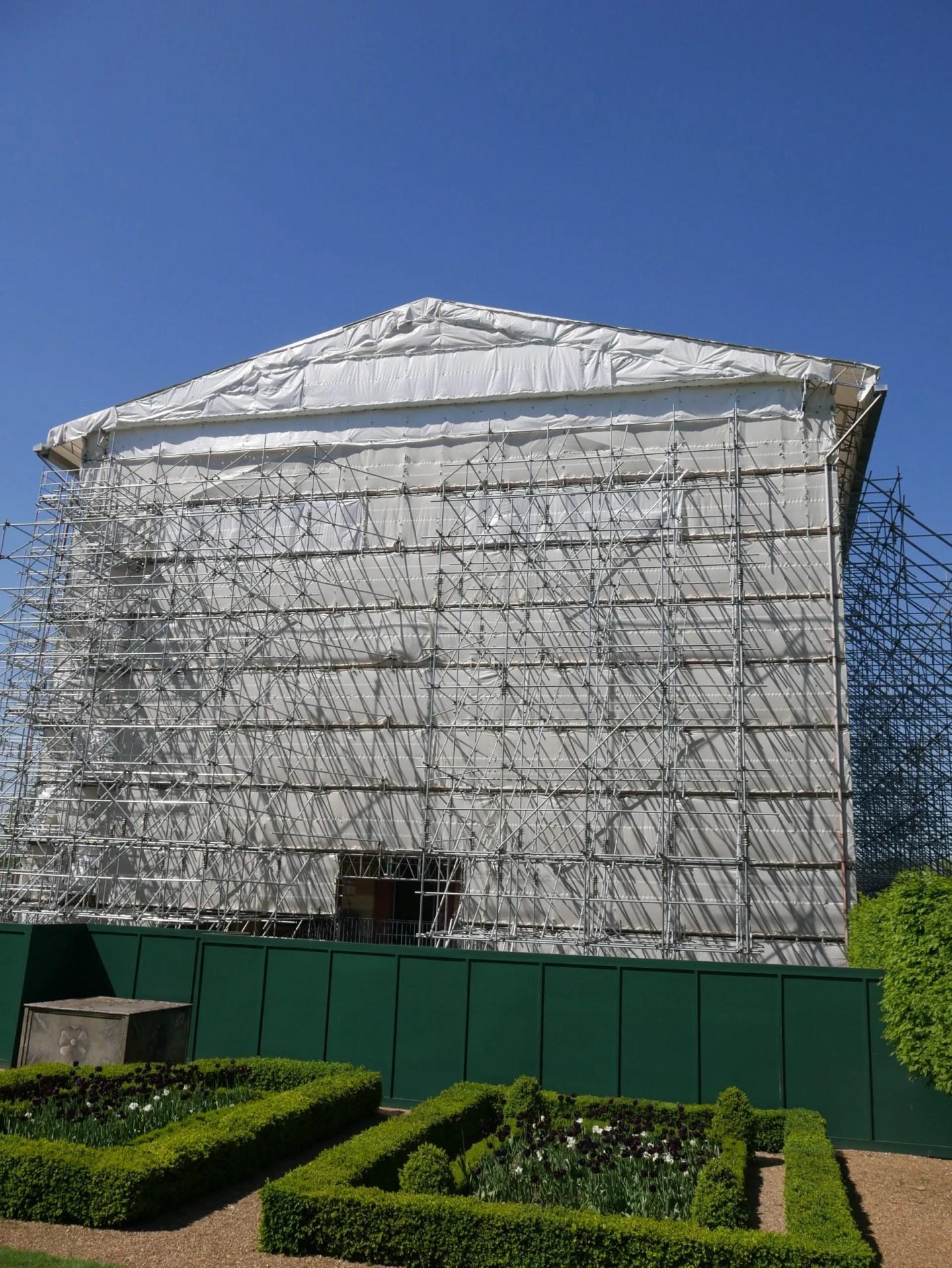 Clandon Park scaffolding