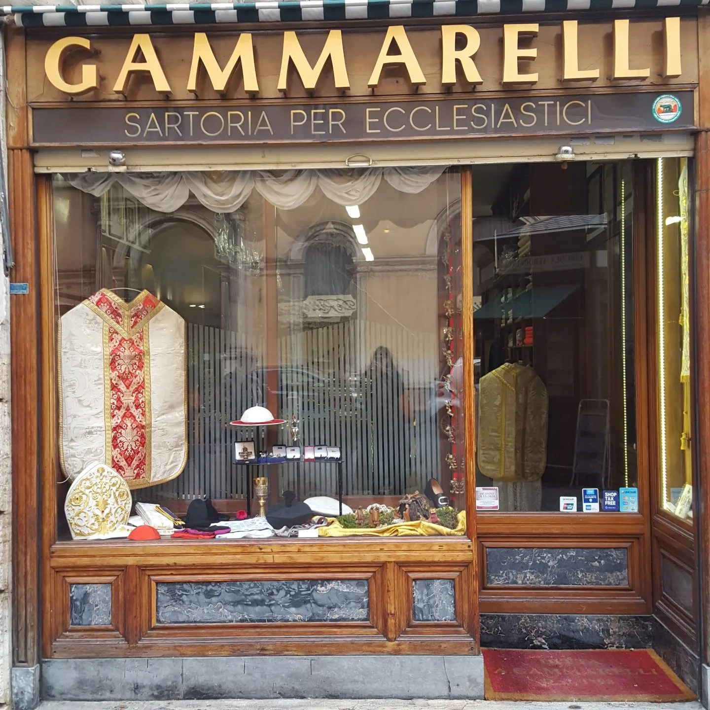 Gammerelli Rome Pope's outfitters