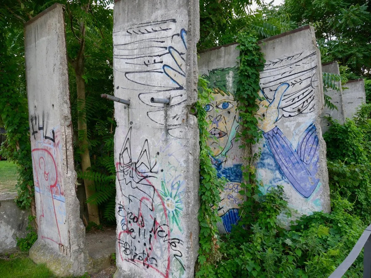 Graffiti on Berlin Wall at Bernauer Strasse