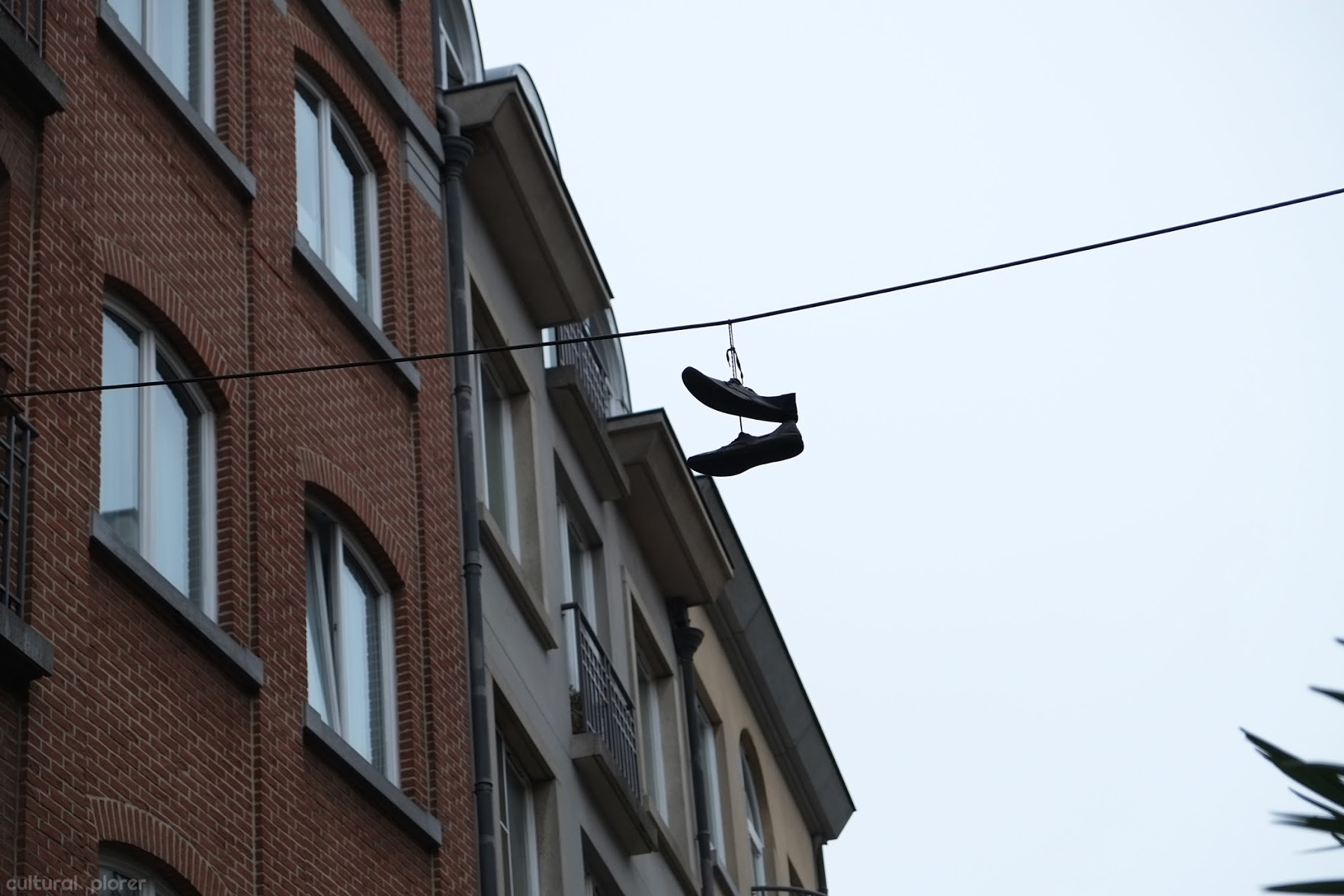 Shoefiti Street Art Brussels