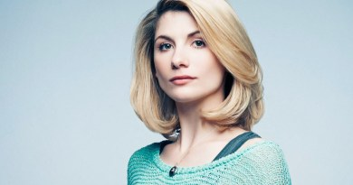 Jodie Whitaker é 13º Doctor em Doctor Who.