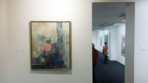 Svein Strand, Bord mot smalt vindu, 2001-2003. Olje på lerret, 100x81cm. P.E Foto: fra utstillingen. Siri Wolland