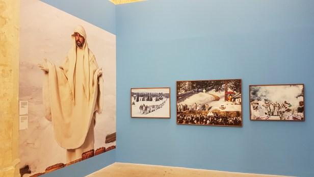 Foto Jonas Bendiksen, The Last Testament. Les Rencontres de la Photographie, Arles 2018. Foto fra utstillingen: Siri Wolland.