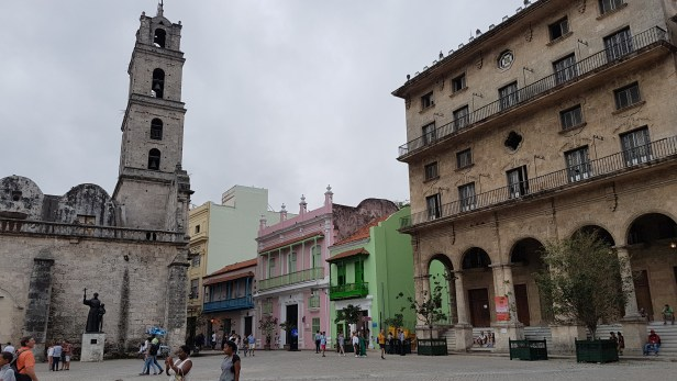 Gatelangs i Havana, Cuba. Foto: Siri Wolland