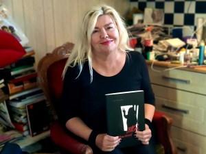 Kunstner Unni Askeland og hennes nye bok