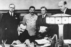 pactul ribbentrop-molotov, stalin, hitler
