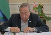 Photo of El intendente Miguel Lunghi firmó dos nuevos decretos