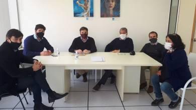 Photo of Funcionarios de Anses se Reunieron con Representantes del Colegio de Escribanos de Tandil