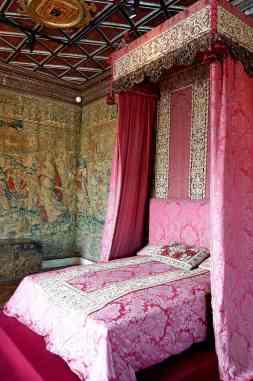 France-001601_-_Five_Queen's_Bedroom_(15291413877)