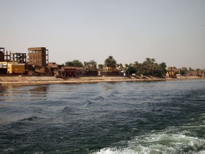 Buildings by the Nile, Cruise on the Nile