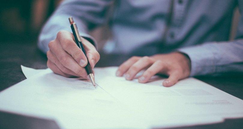 clauses-obligatoires-contrat-de-travail