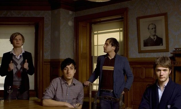 Grizzly Bear promo - band at table