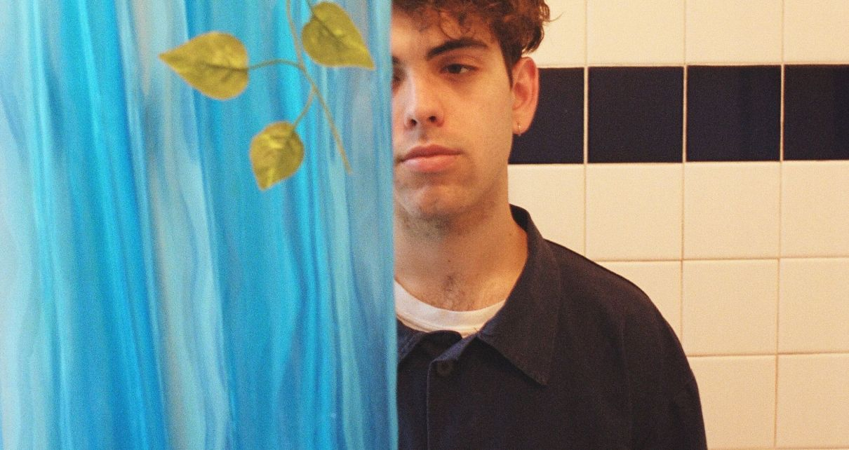 Beshken press photo shower