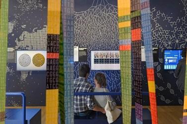 Salle ADN - Exposition Nous et les autres © MNHN - JC Domenech
