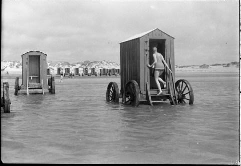 Cabines de plage mobiles, du XVIIIe au début du XIXe siècle