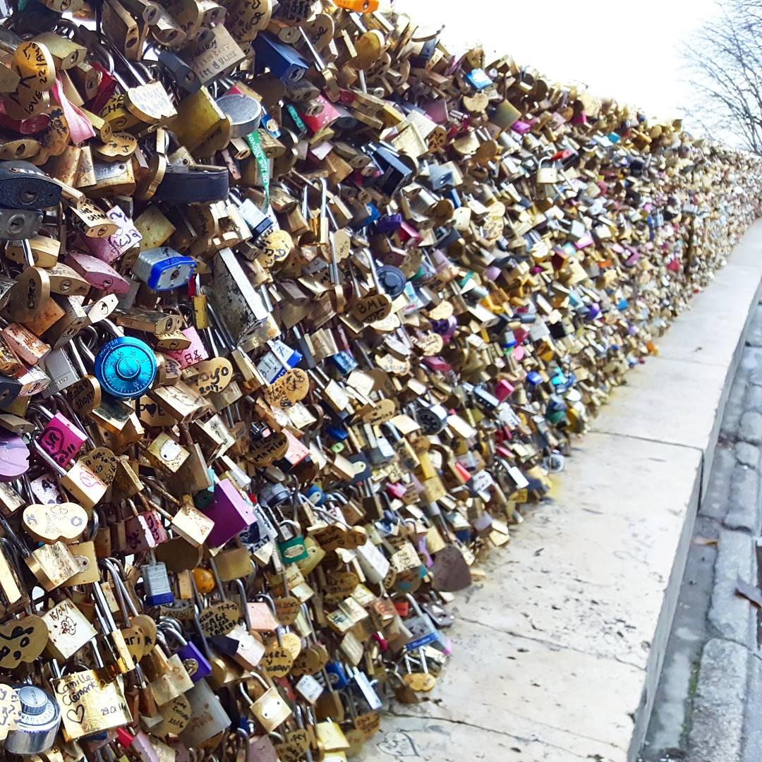 2 days in Paris - Lock bridge