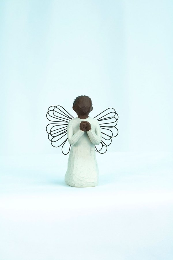 angel figurine with wire wings, praying hands, front