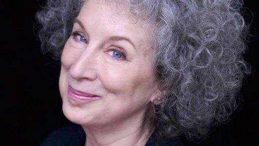 Margaret Atwood (img giantfreakinrobot.com)