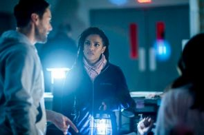 """NEW AMSTERDAM -- """"Sanctuary"""" Episode 117 -- Pictured: Freema Agyeman as Dr. Helen Sharpe -- (Photo by: Zach Dilgard/NBC)"""