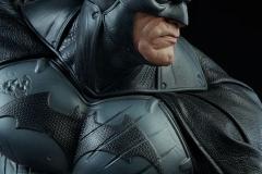 dc-comics-batman-premium-format-figure-sideshow-300542-12