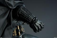 dc-comics-batman-premium-format-figure-sideshow-300542-14