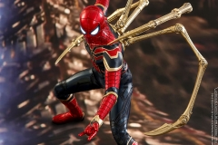 marvel-avengers-infinity-war-iron-spider-sixth-scale-hot-toys-903471-01