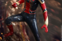marvel-avengers-infinity-war-iron-spider-sixth-scale-hot-toys-903471-09