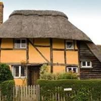 Mid-Week Desk-Chair Travel: English Cottage Escape