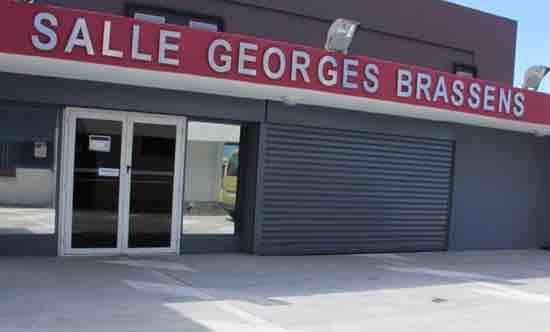 SALLE GEORGES BRASSENS ( LES AVIRONS )