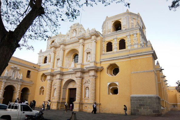 Field trip to the historic Iglesia de San Francisco cathedral in Guatemala | Photos by Harlin Hanson