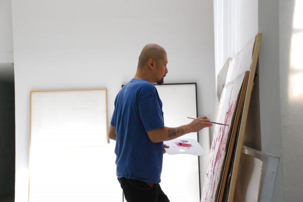 Renowned artist Manuel Ocampo | © TOPAZ ARTS, 2012