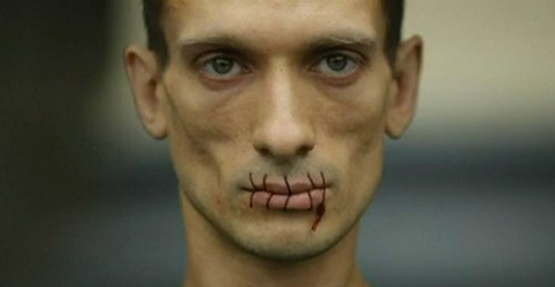 Pyotr Pavlensky protests the jailing of Pussy Riot
