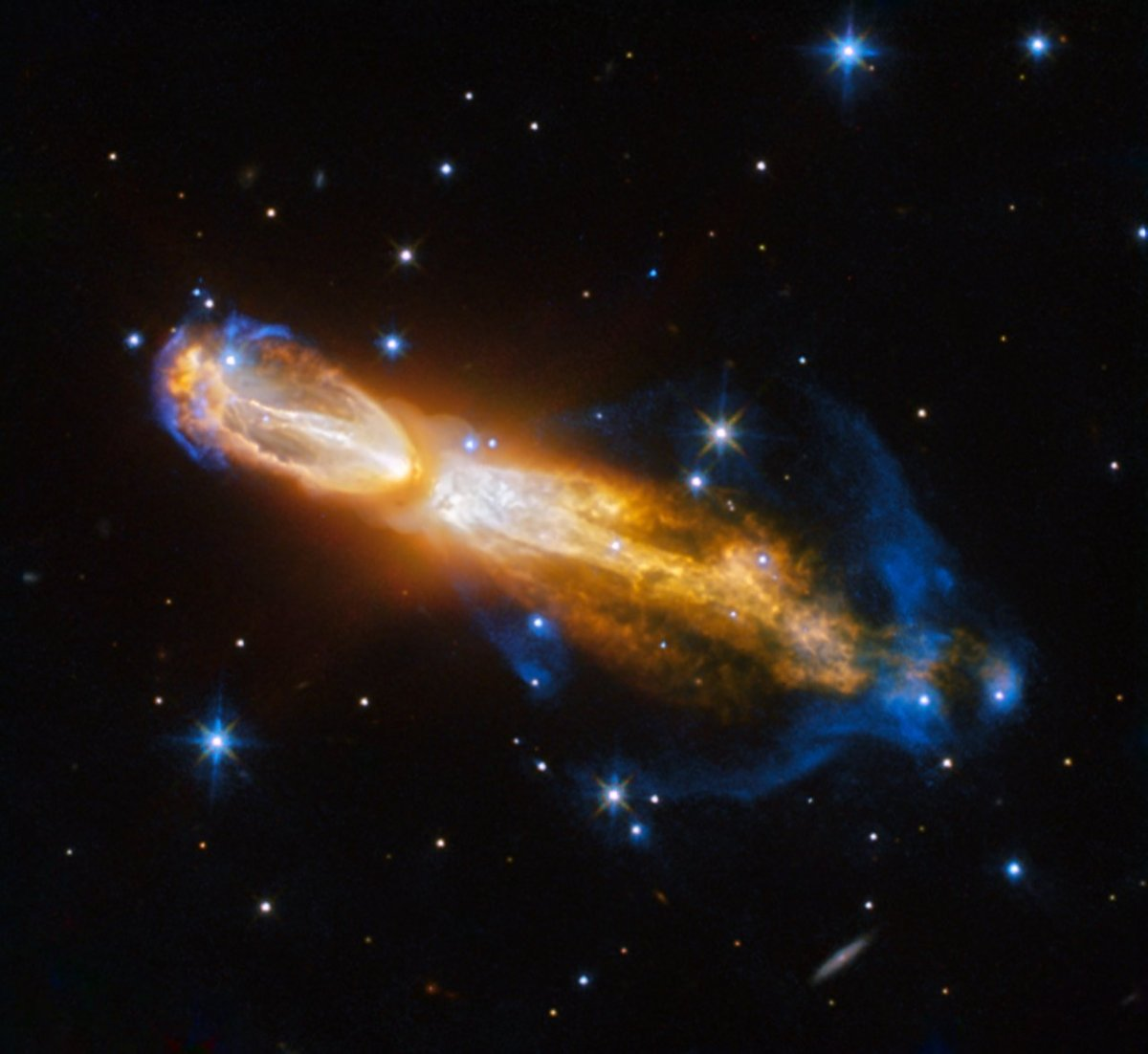 "NASA's Hubble spacecraft captures stinky ""rotten eggs"" in a nebula"