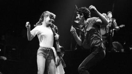 Springsteen (Dancing in the Dark)
