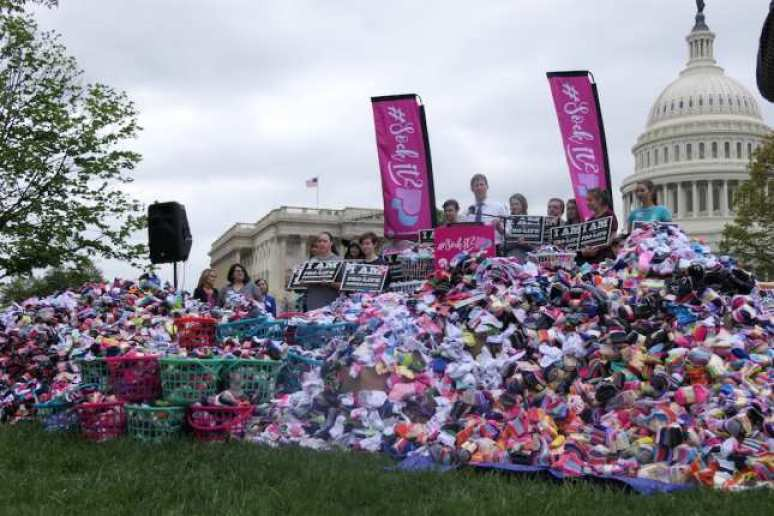 Students For Life Sock It To Planned Parenthood