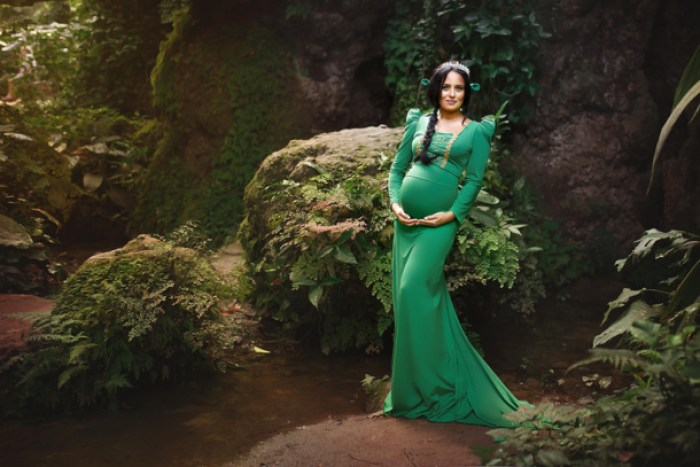 Disney Maternity Photo Shoot