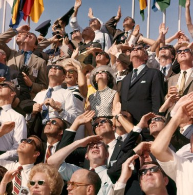 05-crowd-view-714
