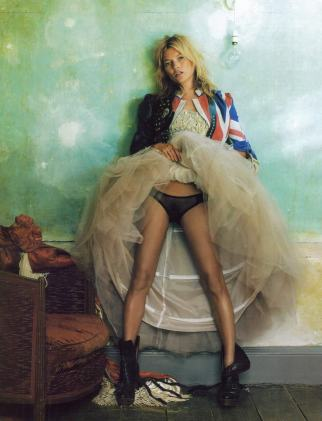 Kate-Moss-Vogue-October-2008-Featuring-The-British-Union-Jack-Flag