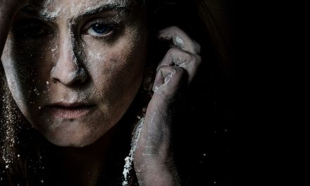 'Knives in Hens' at the Donmar Warehouse: A Modern Scottish Classic on the London Stage