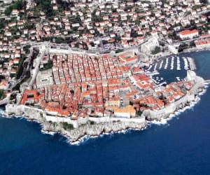 http://upload.wikimedia.org/wikipedia/commons/3/3d/Dubrovnik_crop.jpg