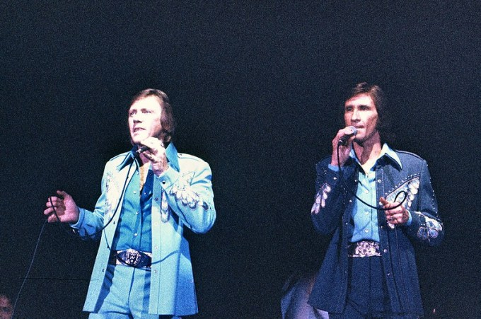 Cover_The-righteous-brothers