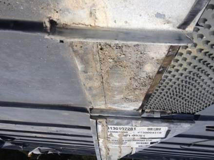 Chapa corroída instalada sobre lámina