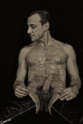actor nAKED and erect