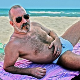 beach daddy bulge