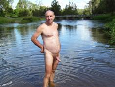 great-mature-man-naked-outdoors