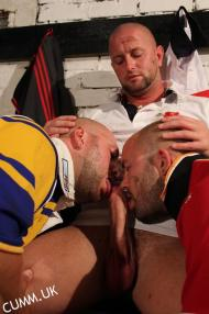 rugby ladz sucking cock