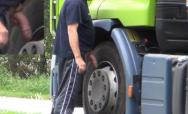 trucker wanker well hung