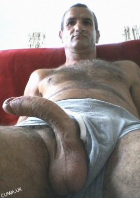 I love the curve of that big and beautiful dick